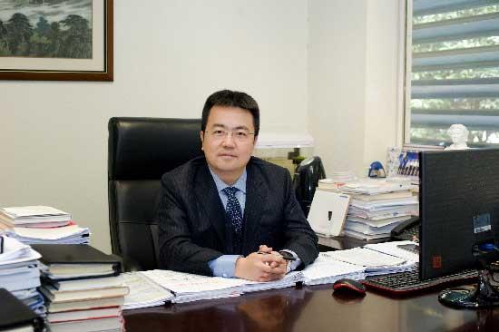 总裁�_光纤总裁庄丹